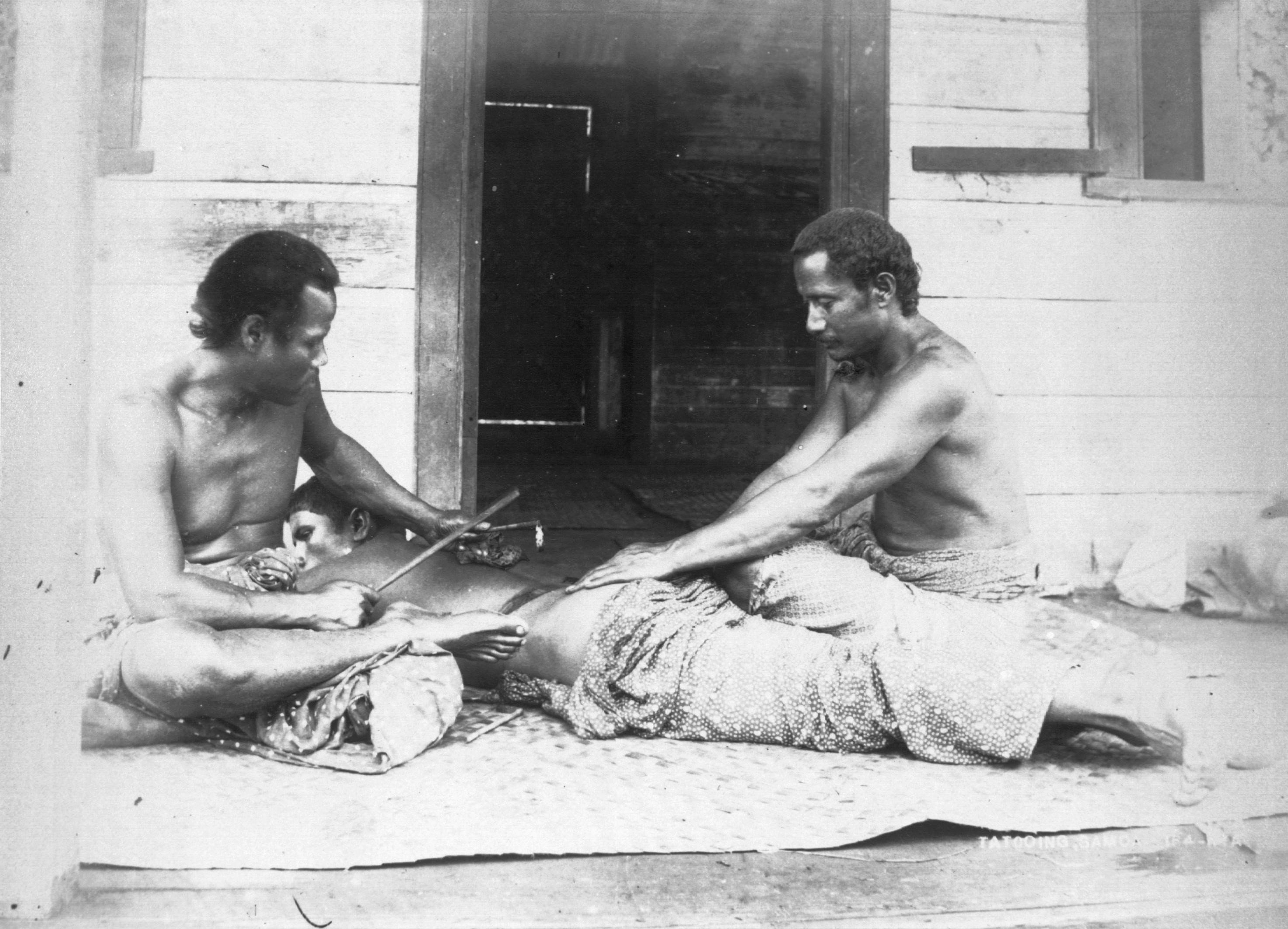 Traditional tatau session