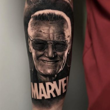 A hyperrealistic tattoo of comic and Marvel legend Stan Lee by Luke Cormier