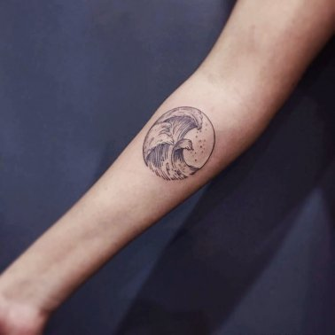 Minimalistic Circle Wave Tattoo